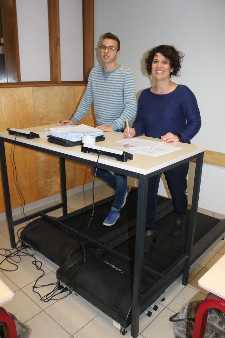 In het Sint-Godelieve-Instituut kan er voortaan les gevolgd én gegeven worden op een stapband.